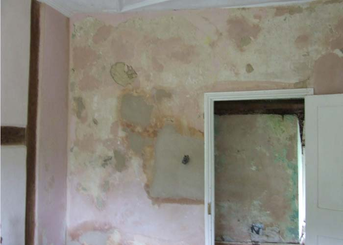 Great ... Internal Lime Plaster Repairs To A Damaged Wall ...